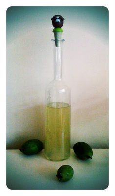 Alessandra Zecchini: Feijoa and lemon zest cordial Hmm. I wonder if I could change this to a liqueur ! Fejoa Recipes, Guava Recipes, Cooking Recipes, Vegetarian Recipes, Recipies, Pineapple Guava, Cordial Recipe, Kefir, Summer Drinks
