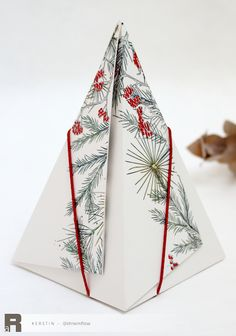 Christmas Makes, 3d Projects, Stampin Up, Diy And Crafts, Gift Wrapping, Packaging, Paper, Creative, How To Make