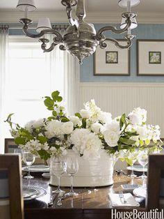 Flower power. Designer: Marshall Watson. Photo: Eric Piasecki. housebeautiful.com