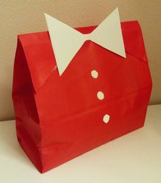 Present for man. Red suit. DIY wrapping idea