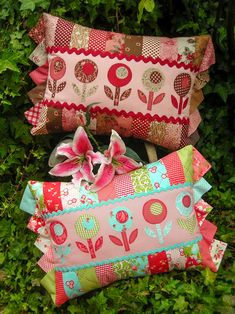 """""""Bloomers"""" by Sally Giblin of The Rivendale Collection. Finished cushion size: 15"""" x 24"""""""