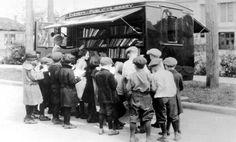 Oldtimer Bookcar