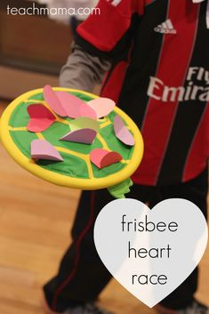 This frisbee heart race is he perfect Valentine's Day game for the classroom! Kids love racing with these paper hearts! It's simple, fun and a great way to celebrate Valentine's Day with kids! day crafts for kids church Valentine's Day Frisbee Heart Race Valentines Games, Valentine Theme, Valentines Day Activities, Valentines Day Party, Valentine Crafts, Valentine Box, Valentine Ideas, Holiday Activities, Learning Activities