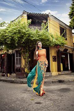 ベトナムの伝統的なドレス「アオザイ」 - Imgur上のアルバム