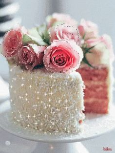 Here you will get beautiful happy birthday cake with wishes HD images which can be sent to your beloved one on his or her birthday to make a beautiful wish. Birthday Cake Gif, Happy Birthday Cake Images, Happy Birthday Quotes, Happy Birthday Greetings, Cake Roses, Birthday Wishes Messages, Cake Videos, Happy B Day, Mini Desserts