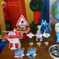 Os Super Wings para os 3 aninhos do Hanry - Super ✨ 4th Birthday, Birthday Parties, Baby Party, Mickey Mouse, Christmas Ornaments, Holiday Decor, Crafts, 3 Year Olds, Birthday Cakes