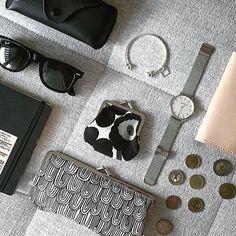 "CLUSE op Instagram: ""Travel essentials (photo by @ilivanilli) #CLUSE #watch #silver #minimal #accessories #mesh #fashion #style #blogger"""