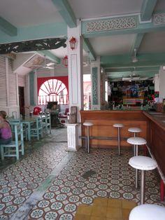 Weer een leuk lunchcafé in Calle de Media Luna in Cartagena.
