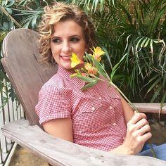 """""""O sol é para as flores o que os sorrisos são para a humanidade."""" Joseph Addison  #santaajuda #GNT #micaelagoes #frases"""