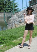 hottest trends summer 2016 peasant top pink high waist shorts floppy hat france travel blogger fashion spring style river