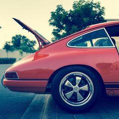. T H Ξ  Λ R T  O F  P O R S C H Ξ N O G R Λ P H Y | @philmcgovern #Porsche #Porsche912 #912 #VintagePorsche #VintageCar #AirCooler #SexyBack  #Exoticar #Drive #LosAngeles #LA #SoCal #California #PorscheCollection #PassionPorsche #Cool #exklusive_shot #inspiration #PorscheAddict  #lifestyle #instagood #instacool #justgoshoot #visualsoflife #artofvisuals #visualsgang #socality #igmasters #instaPorsche #GentlemanModern by gentlemanmodern