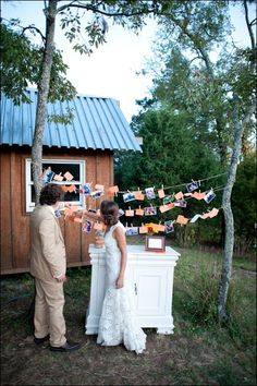 Cute way to have pictures at an outdoor wedding.