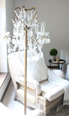 Chandelier floor lamp - A roundup of gorgeous chandeliers including floor lamps & plug ins Chandelier Floor Lamp, Diy Floor Lamp, Lamp Design, Lighting Design, Lighting Ideas, Floor Lamp Makeover, Chandelier Makeover, Night Table Lamps, Be Light