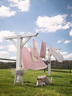 Clothes Line, Clothes Pins, Hampers Outdoor Spaces, Outdoor Living, Outdoor Decor, Ideas Terraza, Laundry Drying, Vintage Laundry, Farms Living, Farm Life, Country Living