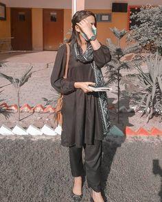Pakistani Fancy Dresses, Beautiful Pakistani Dresses, Pakistani Fashion Casual, Pakistani Wedding Outfits, Fancy Kurti, Cute Baby Girl Photos, Cool Girl Pictures, Cute Girl Poses, Girl Photo Poses