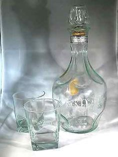 Jack Daniels  Whiskey Decanter with 2 Jack Daniels Whiskey Glasses