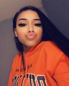 she so pretty ! Pretty Hispanic Girl, Hispanic Girls, Dope Girl Swag, Pretty Latinas, Snapchat Girls, Girls With Black Hair, Nasa, Photos, Baddies