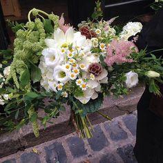 📷😍🌸   Merci  josephine_fleuriste  Osez offir de la créativité: www.coleebree.com  #stylistfloral #floral #flower #livraison #fleuriste #fleurs #bouquet #deco #flowerstagram #coleebree  #marketplace #flowerpower #génial @coleebree