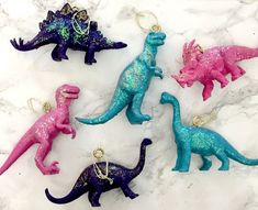 DIY Dinosaur Decorations for the Christmas tree are so simple and easy to make! Dinosaur Christmas Decorations, Dinosaur Christmas Ornament, Christmas Tree Angel, Pom Pom Decorations, Alternative Christmas Tree, Noel Christmas, Christmas Crafts, Christmas Ornaments, Christmas Inspiration