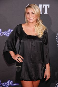 Jamie Lynn Spears Performs Sweet Song In Honor Of Big Sis Britney Jamie Lynn Spears, Zoey 101, Young Life, Beautiful One, Powerful Women, Britney Spears, Celebrity Pictures, Trending Memes, Cold Shoulder Dress