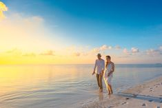 Indian River County offers plenty of room to roam Love Pictures, Beach Pictures, Twin Flame Love, Twin Flames, Long Distance Love, Couples Walking, Falling In Love Again, Videos Tumblr, Love Couple
