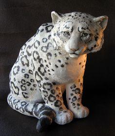 http://www.ultimatepapermache.com/wp-content/uploads/2009/11/snowleopard_3.jpg