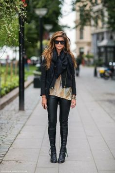 Cool Black Leather For Fall Weather fashion black boots jacket leather pants fall fashion street style Fashion Mode, Look Fashion, Womens Fashion, Fashion Trends, Fall Fashion, Street Fashion, Fashion Black, Street Chic, Fashion Outfits