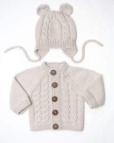 100% merino. Set for baby.  #knitting#babyjacket #merino #newbornset #nanielhandmade #rokdarbi