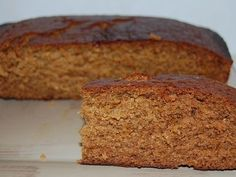 Dutch Spice Cake - A popular ginger cake to serve with a slab of butter. Easy melt and mix recipe. Always gets eaten quickly with no leftovers. Spice Cake Recipes, Baking Recipes, Dessert Recipes, Dutch Recipes, Sweet Recipes, Danish Recipes, Good Food, Yummy Food, Tasty