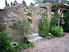 Tips For Organic Gardening Garden Huts, Garden Pond Design, Outdoor Garden Statues, Brick Garden, Concrete Patio, Flagstone Patio, Garden Structures, Tropical Garden, Garden Styles
