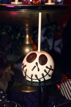 8 Things You'll Want To Eat & Drink During #HalloweenTime at the #Disneyland Resort!