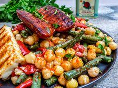 Kikertsalat med aspargesbønner, paprika, halloumi og chorizo (3 of 3)