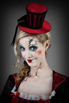 Halloween-Schminkanleitung Broken Doll: das Gesicht