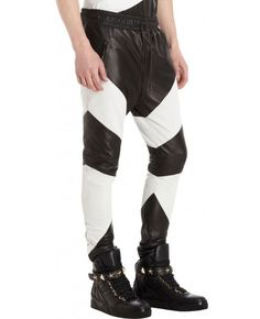 stylish black and white sheep nappa leather pant Leather Look Shorts, Black Denim Pants, Mens Leather Pants, Biker Leather, Faux Leather Jackets, All Black Men, Look Con Short, Long Tank Tops, Young Fashion