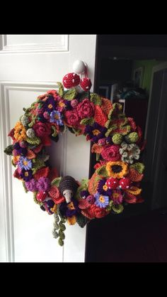 Autumn crochet wreath, found on fb but I absolutely looove this
