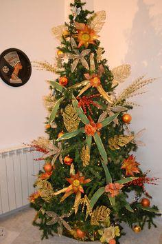 ALBERO DI NATALE 2O13 (tutte le foglie sono essiccate e poi decorate)