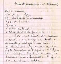 Bolo de Amêndoa (Mª Eduarda)     250 de açúcar   125 de manteiga   100 de miolo de amêndoa   40 gr. de farinha   3 ovos   1 cálice de Ki...