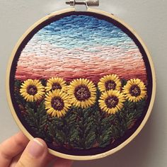 Ideas embroidery sunflower wall hangings for 2019 Towel Embroidery, Hand Embroidery Stitches, Embroidery Hoop Art, Hand Embroidery Designs, Ribbon Embroidery, Cross Stitch Embroidery, Embroidery Patterns, Indian Embroidery, Sewing Art