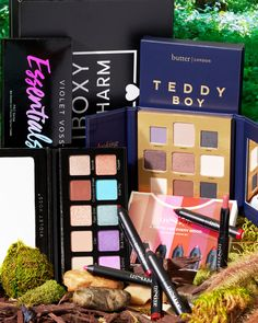 No better way to cure the #MondayBlues than with a brand new reveal! Base Sneak Peek 2 is here 🤗 This month active Base members may receive either 1 Violet Voss Essentials 2 Eyeshadow Palette OR 1 Butter London Teddy Boy Eyeshadow Palette OR 1 Trestique A Matte for Every Mood Set 💗 #BoxyCharm #BoxyGlamping Violet Voss, Teddy Boys, War Paint, Eyeshadow Palette, The Cure, Bronn, Butter London, Essentials, Base