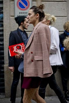 Blazers :    Street style at Milan fashion week autumn/winter '14/'15  - #Blazers https://talkfashion.net/clothing/blazers/blazers-street-style-at-milan-fashion-week-autumnwinter-1415/