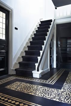 Stairs to b'room Hall Tiles, Tiled Hallway, Entrance Decor, House Entrance, Luxury Staircase, Victorian Hallway, Hall Flooring, Hallway Inspiration, Edwardian House