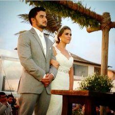 Nossa noivinha lindíssima Gabi Uchoa ❤️ que se casou com a nossa Grinalda SWEET DAYDREAM personalizada especialmente para ela. Felicidades { Gabi + Neto } Cabelo e maquiagem pela talentosíssima || Dani Albuquerque @salaomoria #love | #amor | #noiva | #bride | #wedding | #weddingday | #casamento | #bemcasada | #BemCasadaBride