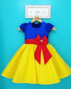 Baby Girl Dress Patterns, Dresses Kids Girl, Little Girl Outfits, Baby Dress, Kids Outfits, Princess Dress Patterns, Disney Dresses, Disney Outfits, Snow White Costume Kids