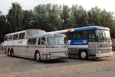 Greyhound Bus Scenicruiser & MC-9