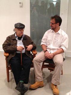 Duas gerações de mestres do design brasileiro de mobiliário - Sergio Rodrigues e Fernando Mendes
