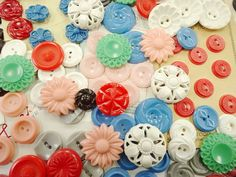 Early Vintage Plastic Sewing Buttons Lot Colt House Dress Flowers Cards Sets Ect