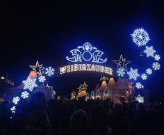 The entrance to the beautiful white magic Christmas market at Jungfernstieg open everyday from 11.00 - but come around sunset to see the magnificent lights Hamburg #christmasinhamburg #holyhamburg #nordictb #sponsoreret #iamtb #travelblogger #blogger #travel #danishadventurer #danskerejseblogs #danishtravelblogs #hamburg #explorehamburg #meinhamburg #visithamburg #hamburghoi #igershamburg #christmas #christmasmarket #christmas2016 #germany #traveltheworld #traveldreams #tourism #wheretogodk…