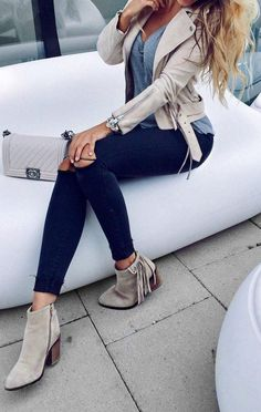 #fall #style Suede Ankle Boots // Cream Leather Jacket // Blue Skinny Jeans