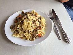 Curryrahmnudeln mit Hack, ein gutes Rezept aus der Kategorie Pasta & Nudel. Bewertungen: 404. Durchschnitt: Ø 4,2.
