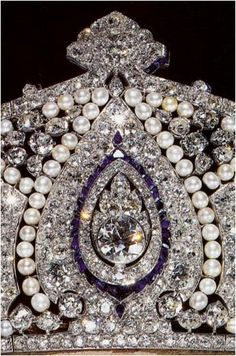 The Royal Order of Sartorial Splendor: Tiara Thursday: The Cartier Tiara Royal Crown Jewels, Royal Crowns, Royal Tiaras, Royal Jewelry, Tiaras And Crowns, Bling, Circlet, Diamond Are A Girls Best Friend, Antique Jewelry